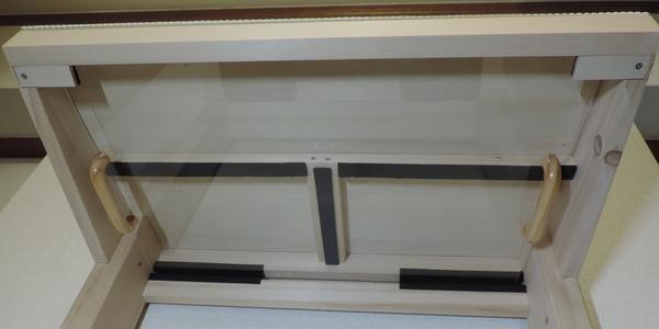 自作ブックプレッサーを上段棚の裏側に収納