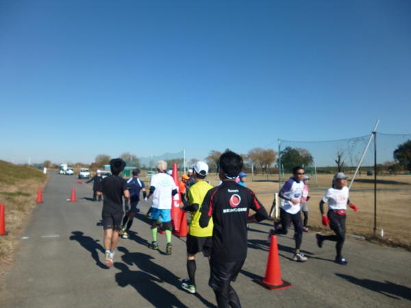 第17回 ハイテクハーフマラソン Aコース、折り返し地点