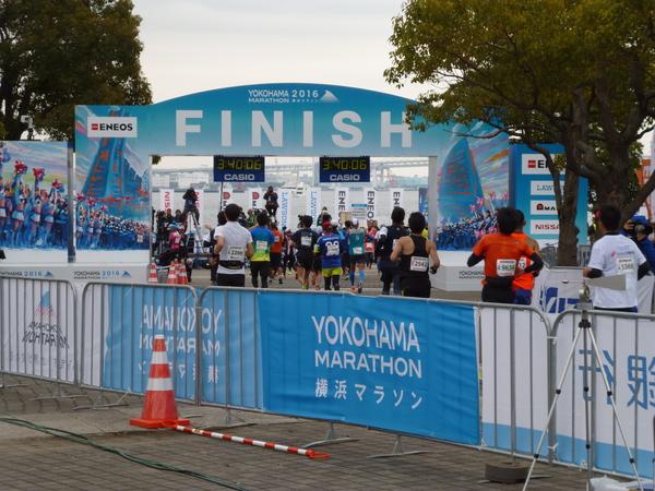 横浜マラソン2016 パシフィコ横浜 フィニッシュ地点