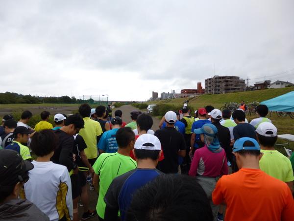第24回・TAMAハーフマラソン 30kmの部、スタート直前の様子