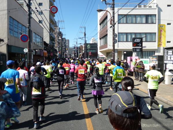 第52回青梅マラソン、1.8km付近